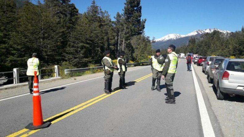 Gendarmería cortó la Ruta 40 por una inspección en Villa Mascardi