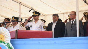 desfile y reconocimientos por el dia de la policia