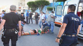 La mujer sufrió lesiones de carácter grave y anoche permanecía internada en el Hospital Regional.