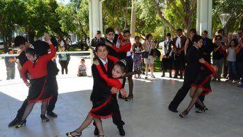 Para bailar tango no hay límites de edades.