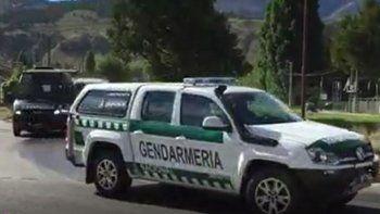 fuerte operativo de gendarmeria para desalojar a la comunidad peni