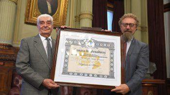 solari yrigoyen fue distinguido por el senado de la nacion