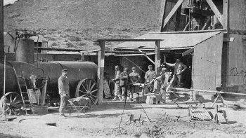 Los pioneros de una industria que a nivel nacional surgió en Comodoro Rivadavia y que hoycumple 110 años.