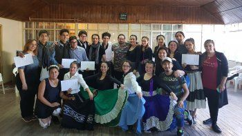 El Camaruco realizó sus exámenes finales donde se recibieron cinco profesores de Tango y quince de Folclore.