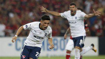 Ezequiel Barco festeja el gol del empate, el que le permitió a Independiente salir campeón de la Copa Sudamericana 2017.