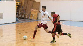 Con cuatro partidos, esta noche continuará la disputa del torneo Clausura de fútbol de salón.