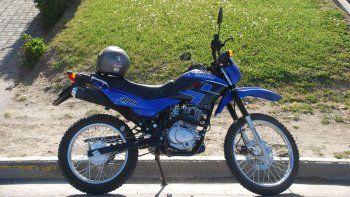 Así lucía la moto de Olave en 2012, poco antes de que se la robaran.