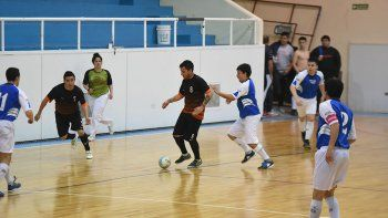 Esta tarde se estarán jugando cuatro finales en la categoría B del torneo Clausura de fútbol de salón.