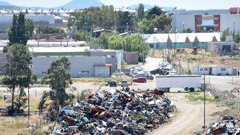 En el corralón de Km 4 permanecen desde hace varios años cientos de vehículos que por alguna razón sus propietarios no retiran.