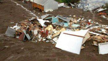 Arcioni puso a disposición recursos y ayuda por el alud en el sur de Chile