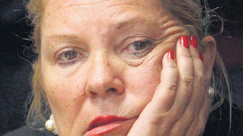 Carrió a Macri: no sabe lo que significa ser decente