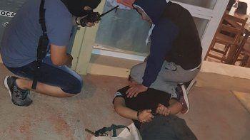 Detuvieron a Ezequiel Rodríguez armado en calle Chacabuco