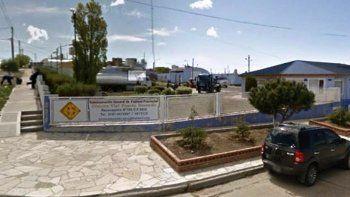 El incidente que pudo tener consecuencias fatales se produjo en el recinto del Distrito Puerto Deseado de Vialidad Provincial.