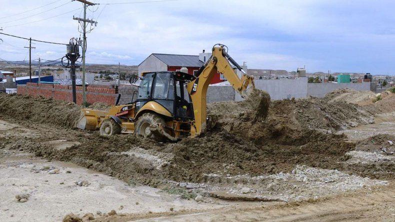En Castelli realizan trabajos de asistencia y remediación de calles