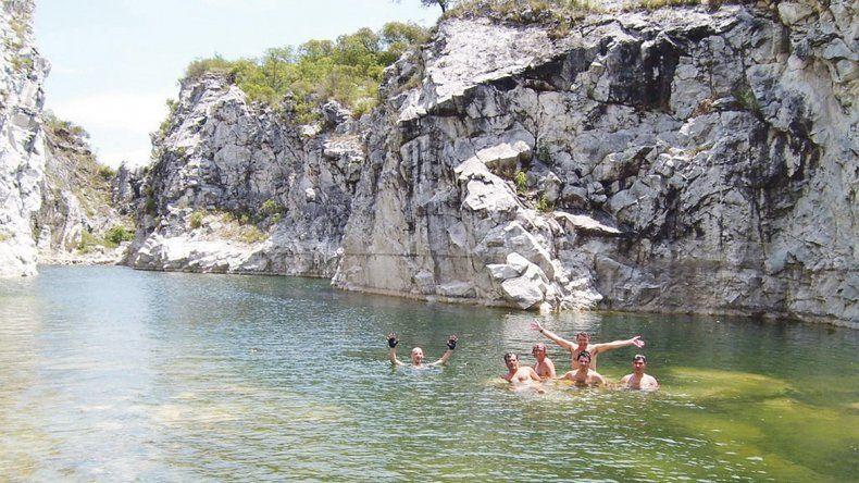 PARAVACHASCA: El área turística de Paravachasca reúne naturaleza y cultura a partir de un importante patrimonio histórico-arquitectónico reflejado en las construcciones de finales del siglo XIX. La ciudad más destacada es Alta Gracia. El valle incluye además pequeñas localidades turísticas