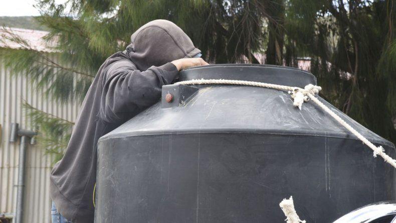 Sexto día sin agua: continúan las tareas y no hay horario de normalización