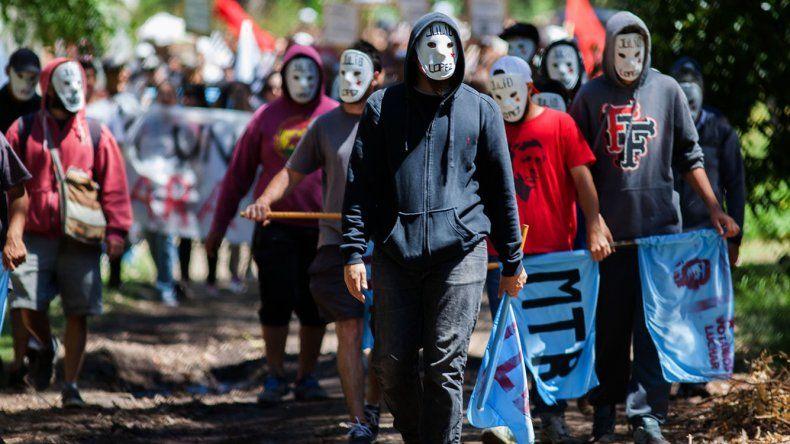 Los manifestantes prometen continuar con sus movilizaciones. El represor fue juzgado por los peores cargos