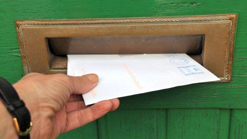 Ordenan encarcelar a un excartero de Madryn que ocultó más de 19 mil cartas