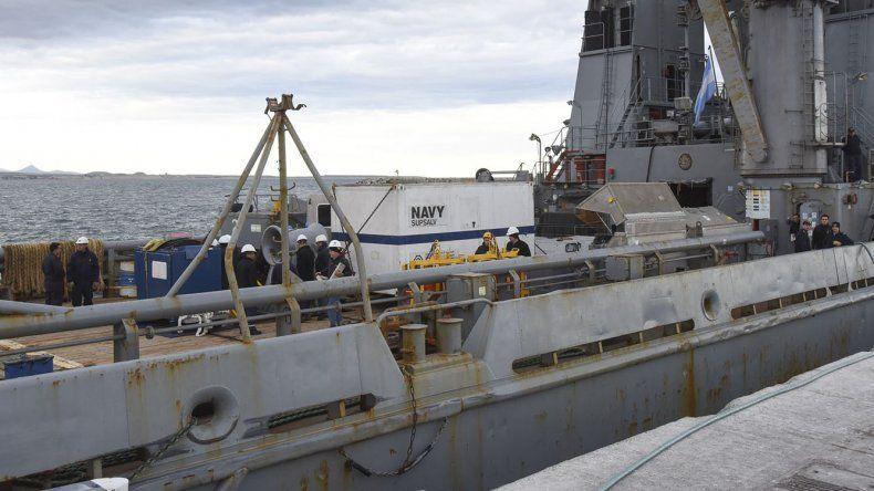 El ARA Puerto Argentino cuando estuvo fondeado en el puerto de Comodoro Rivadavia.