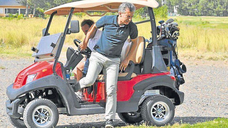 Macri comprará cuatro carritos de golf para Olivos