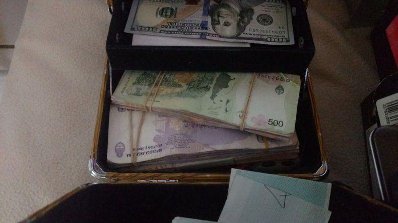 El dinero incautado en los allanamientos desarrollados en Puerto Madryn.