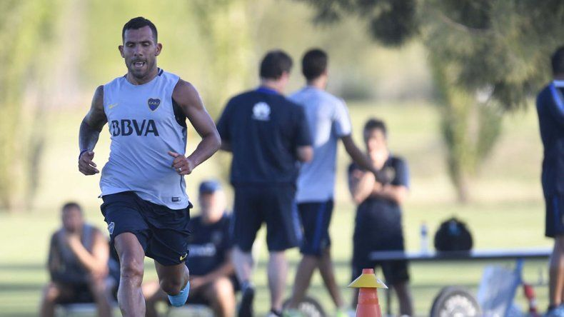 Carlos Tevez entrenando ayer en la reserva Los Cardales donde Boca realiza su pretemporada.