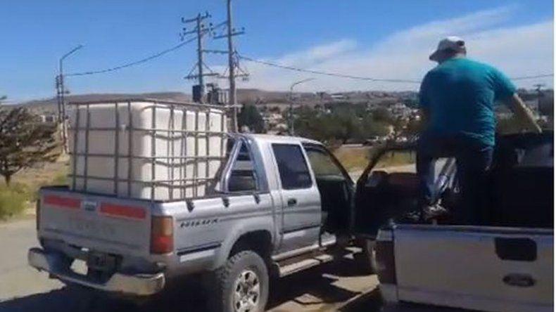 Los vecinos de Caleta se agolparon en los cargaderos
