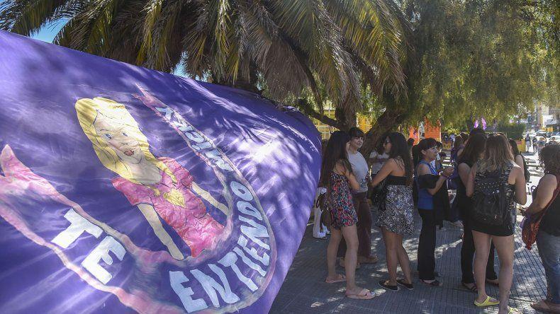 En la plaza de la Escuela 83 realizaron una radio abierta para concientizar y brindar apoyo a Micaela Barattini.