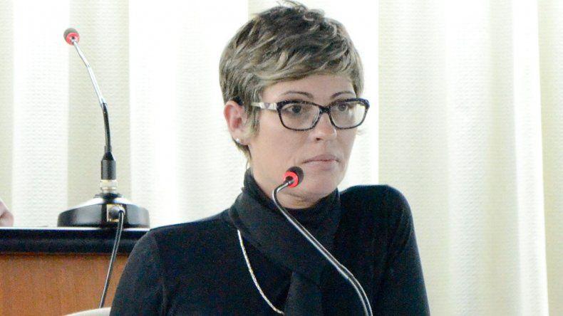 Alicia Dubreuil fue una de las que reclamó con más energía el apoyo del Poder Legislativo a las políticas de Arcioni.