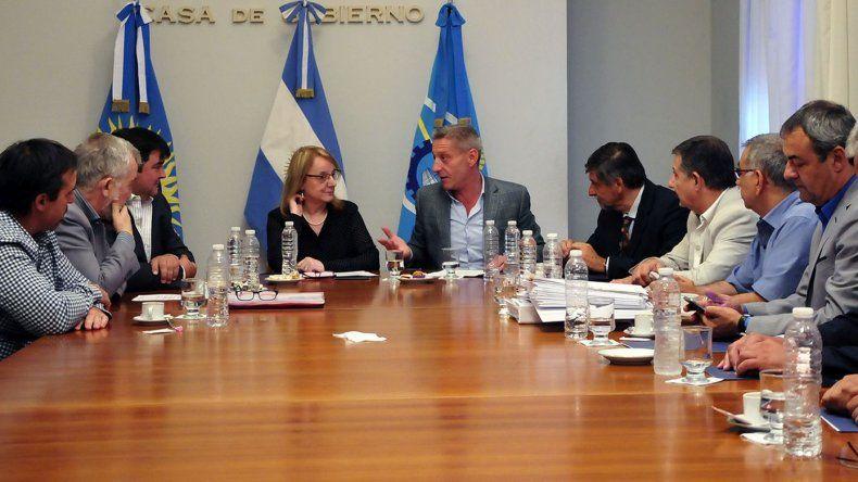Chubut y Santa Cruz trabajarán en una  solución conjunta al problema del agua