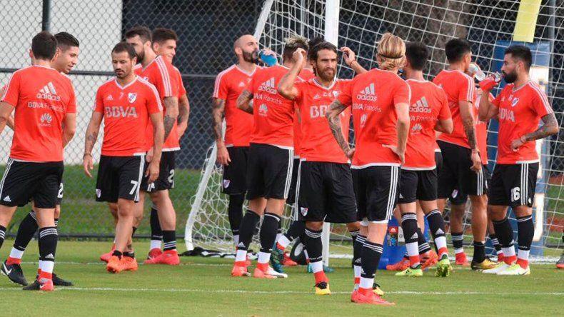 El plantel de River disputará esta tarde un amistoso frente a Independiente Santa Fe de Colombia.