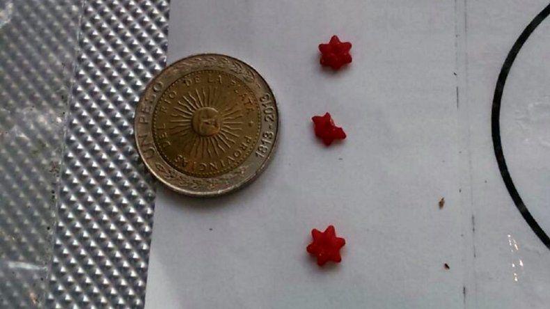 Qué es el micropunto de estrella roja, la potente droga que apareció en las costas