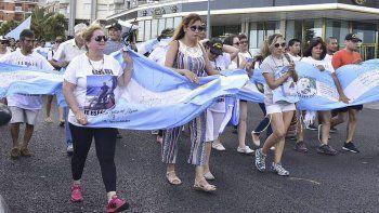 los familiares reclaman a la armada: denuncian que les cambian el interlocutor