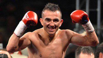 El boxeador trelewense Omar Narváez deberá esperar una nueva fecha para su próxima presentación arriba del ring.
