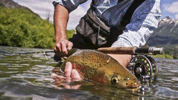 La pesca deportiva cuenta con una importante cantidad de adeptos.