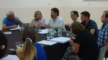 El encuentro que los concejales de la Comisión de Receso mantuvieron el lunes por la noche con vecinalistas.