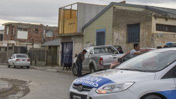 En el barrio Isidro Quiroga, un joven resultó herido en su brazo izquierdo al quedar en medio de un tiroteo en Juana Azurduy y Cabo Julio Benítez.