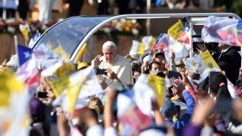 papa francisco: la violencia vuelve mentirosa la causa mas justa