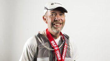 se escondia en los banos quimicos para ganar las maratones