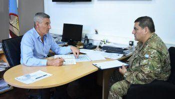 El secretario de Servicios a la comunidad, Rubén Palomeque, se reunió ayer con el teniente coronel del Ejército, Gustavo Barrionuevo.