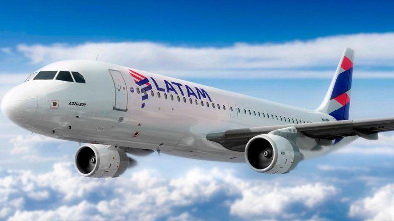 Aerolíneas Argentinas y Latam cancelaron sus vuelos del lunes por el paro general de la CGT
