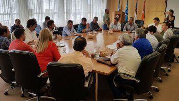 La reunión que se desarrolló ayer en la Sociedad Cooperativa Popular Limitada con diversos actores políticos.