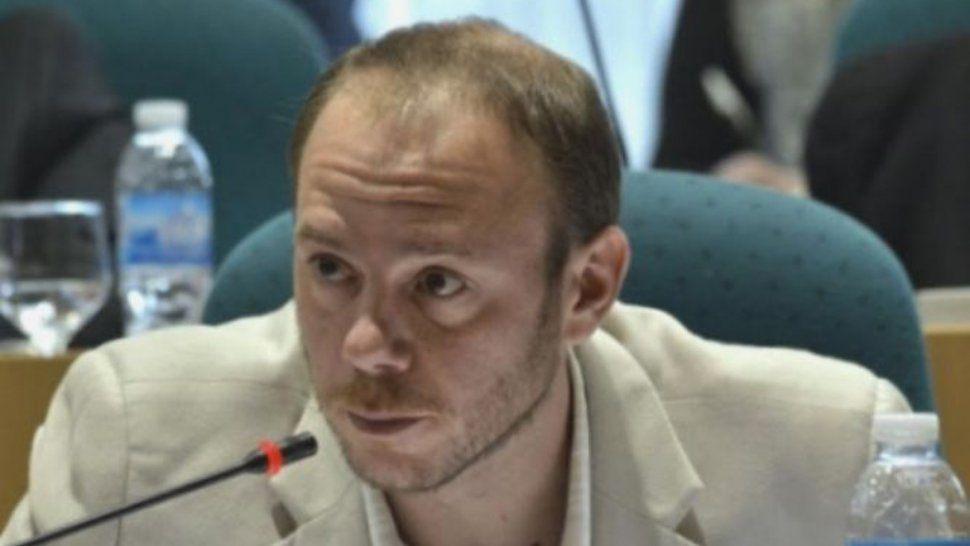 El diputado Darío Mena cuestionó la inconsistente política de ajuste que impone YCTR sobre los trabajadores de la cuenca carbonífera.