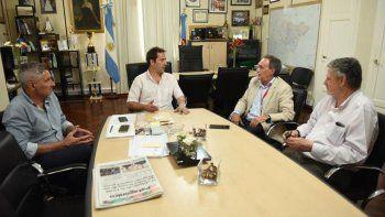 La reunión que funcionarios municipales mantuvieron ayer con el director comercial de Andes Líneas Aéreas.