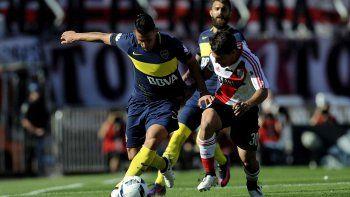 Carlos Tevez arrancará esta noche como titular en el partido que Boca enfrentará a River en un nuevo superclásico de verano.