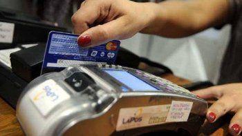 En las tarjetas de crédito el rubro que más creció el año pasado, tanto en número de operaciones como en volumen de ventas, fue el de pasajes de líneas aéreas.