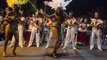 este sabado comienzan los tradicionales carnavales de dolavon