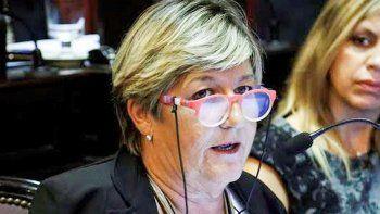 Nancy González reclama que se respete la autonomía de Chubut.