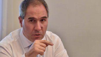 renuncio el ministro de economia pablo oca