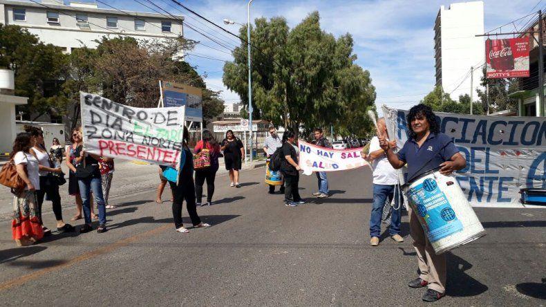Trabajadores del CIT protestan frente al Hospital Regional
